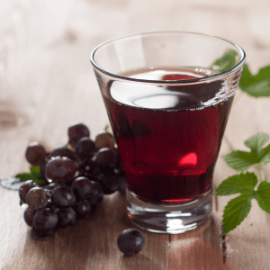 grape juice with grapes